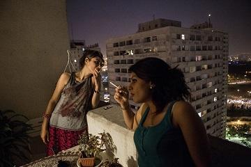 我在阳台吸烟,家里人就吸不到二手烟了?大错特错