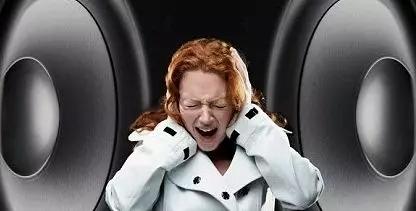 """1.3亿耳鸣患者,警惕耳鸣、耳聋给你敲响的""""警钟"""