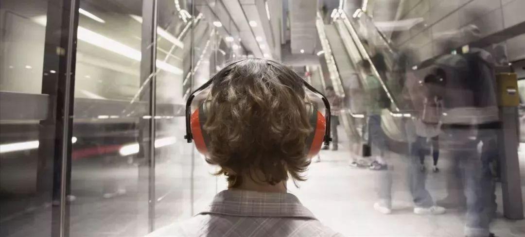WHO公布预防听力损伤新标准,对智能手机提出新要求